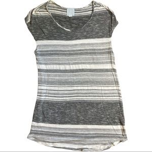 Sunday size large long flowing gray and white top